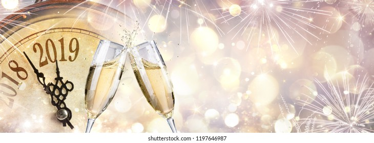 New Year 2019 - Toast With Champagne And Clock