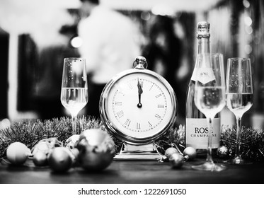 New year countdown dinner party
