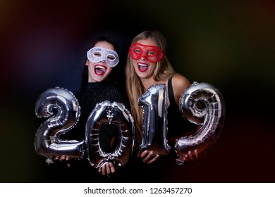 New Years eve, party women