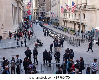 NEW YORK - APR 13: Police guard the New York Stock Exchange, April 13, 2012 in New York City, NY. Nearby, Occupy Wall Street protesters held a demonstration against the financial system.