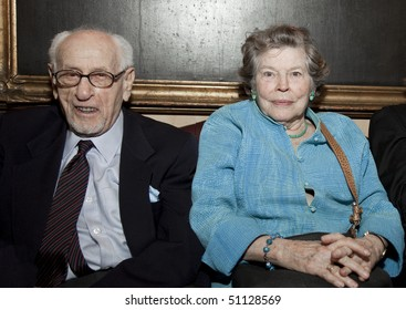NEW YORK - APRIL 12: Actress Anne Jackson and actor Eli Wallach at Players Club to honor Patricia Neal on April 12, 2010 in New York City.