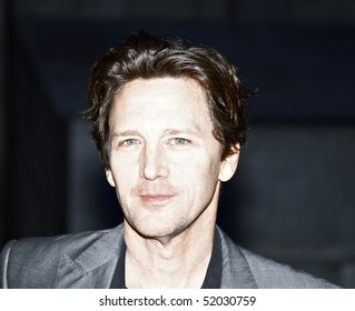 NEW YORK - APRIL 20: Actor Andrew McCarthy attends the Vanity Fair Party during the 9th Annual Tribeca Film Festival at New York State Supreme Court on April 20, 2010 in NYC