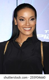 """NEW YORK - APRIL 24, 2014: Selita Ebanks attends the premiere of """"The Amazing Spider-Man 2"""" at the Ziegfeld Theatre on April 24, 2014 in New York City."""