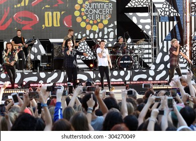 NEW YORK - AUG 4: One Direction performs on 'Good Morning America' in Central Park on August 4, 2015 in New York City.