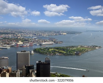 New York, Battery Park, Governors Island, Hudson River, Brooklyn and Lower Manhattan, USA