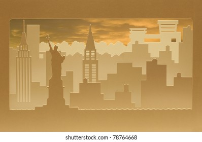 New York carton silhouette with sand structure