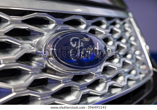 New York City - 3/25/16 - At the New York International Auto Show, the Ford emblem attached to the new Explorer SUV