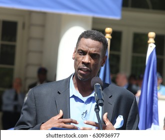 "NEW YORK CITY - APRIL 28 2017: Mayor de Blasio joined former Mets players to honor pitcher Dwight ""Doc"" Gooden for his role in the team's 1986 World Series win. Dwight Doc Gooden addresses fans, media"