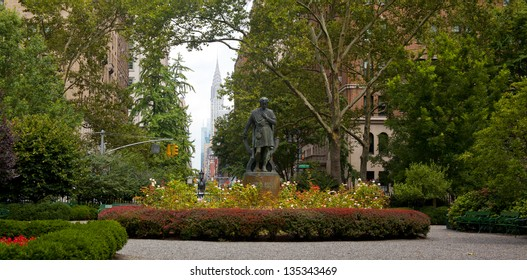 NEW YORK CITY - AUG 5: Gramercy Park is a small 2 acre park located in the Gramercy section of NYC on August 5, 2012. It is a private park with key access for residents that pay an annual fee to use.