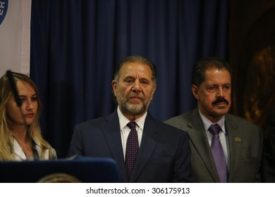 NEW YORK CITY - AUGUST 13 2015: mayor de Blasio & health officials, gathered at Lincoln Medical & Mental Health Center to announce no cases of Legionnaires' disease since August 3. OEM Joe Esposito