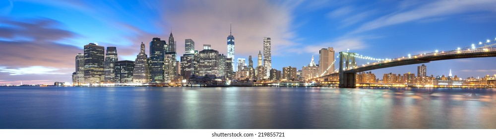New York City, Brooklyn Bridge and Manhattan, 19 January 2014 - Brooklyn Bridge and Manhattan, sunset scene