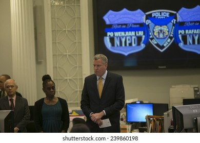 "NEW YORK CITY - DECEMBER 23 2014: Mayor Bill De Blasio presided over a moment of silence in memory of slain NYPD officer Rafael Ramos & Wenjin Liu in the City Hall ""bullpen"""