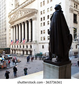 NEW YORK CITY - JANUARY 3:  Statue of George Washington overlooks the New York Stock Exchange on January 3, 2016 in New York City.