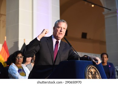 NEW YORK CITY - JUNE 24 2015: a Pride reception filled the Beaux-Arts Court of the Brooklyn Museum where hundreds listened to remarks by Mayor de Blasio & first lady Chirlane McCray.
