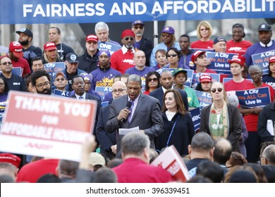 NEW YORK CITY - MARCH 23 2016: Mayor de Blasio, Chirlane McCray, Melissa Mark-Viverito & HUD director Julian Castro highlighted a rally in Foley Square. Edgar Romney of Workers United speaks