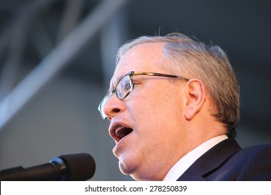 NEW YORK CITY - MAY 14 2015: several thousand tenants along with city council & state assembly members staged a march across the Brooklyn Bridge for affordable housing. Comptroller Scott Stringer