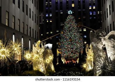 new york city ny usa 12 23 2013 angels with big christmas - Big Christmas Tree In New York