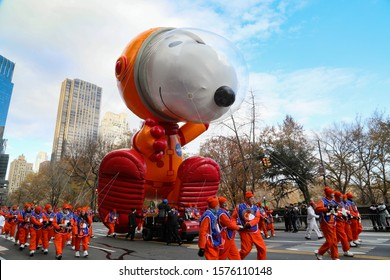New York City, NY, USA- November, 28, 2019: Snoopy the Astronaut debuts in the Macy's Thanksgiving Day Parade.