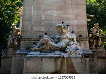 new york city, ny/usa- 9-29-18 uss maine war memorial statue columbus circle central park nyc
