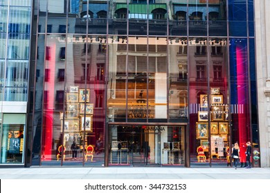 05e4c1acc8 NEW YORK CITY - OCTOBER 07, 2015: Dolce and Gabbana store at 5th Avenue