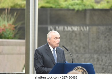 NEW YORK CITY - OCTOBER 13 2015: Mayor Bill de Blasio & NYPD commissioner William Bratton presided over the annual dedication ceremony at Battery Park NYPD memorial. NYPD commissioner William Bratton