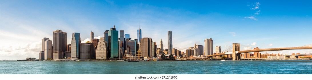 New York City Skyline, Manhattan and Brooklyn bridge view