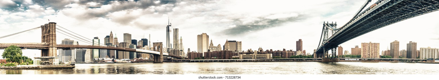 New York City - Stunning panoramic view of Brooklyn and Manhattan Bridge with skyline.