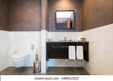 New York City, United States of America, 11 20 2018 residential apartment in the center of the city