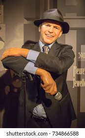 NEW YORK CITY, USA – JULE 13, 2013: Frank Sinatra wax figure at Madame Tussauds wax museum in Times Square in New York.