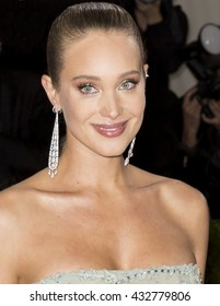 New York City, USA - May 2, 2016: Model Hannah Davis attends the Manus x Machina Fashion in an Age of Technology Costume Institute Gala at the Metropolitan Museum of Art