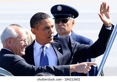 New York Congressman Paul Tonko, Barack Obama at public appearance for US President Barack Obama Visits Albany in Upstate New York, Air Force One at Albany International Airport, NY Sept 21, 2009