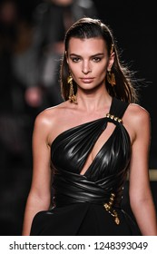 NEW YORK, NEW YORK - DECEMBER 02: Emily Ratajkowski walks the runway at the Versace Pre-Fall 2019 Collection at The American Stock Exchange on December 02, 2018 in New York City.