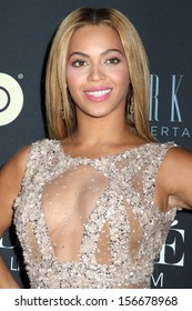 "NEW YORK - FEB 12:  Beyonce Knowles attends the premiere of ""Beyonce: Life Is But A Dream"" at the Ziegfeld Theatre on February 12, 2013 in New York City."