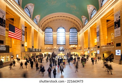 New York, Jan 22: Commuters and tourists in the grand central station in Jan 22, 2014 in New York. It is the largest train station in the world.