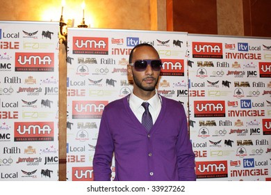 NEW YORK - JULY 17:   Producer/rapper Swizz Beatz attends the 2009 Urban Music Awards-USA at Hammerstein Ballroom on July 17, 2009 in New York City.