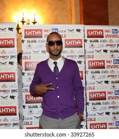 NEW YORK - JULY 17:   Producer/rapper Swizz Beatz gestures as he attends the 2009 Urban Music Awards-USA at Hammerstein Ballroom on July 17, 2009 in New York City.