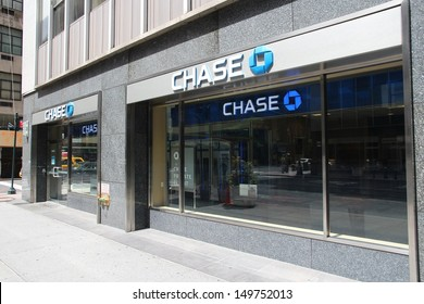 NEW YORK - JULY 4: Chase Bank branch on July 4, 2013 in New York. JPMorgan Chase Bank is one of Big Four Banks of the US. It has 5,100 branches and 16,100 ATMs.