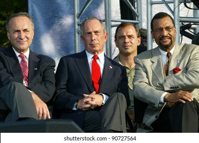 NEW YORK - JUNE 25: New York City Mayor Michael Bloomberg (C), US Sen Chuck Schumer (D-NY) (L) and others attend the Greater New York Billy Graham Crusade on June 25, 2005 in Flushing, NY.
