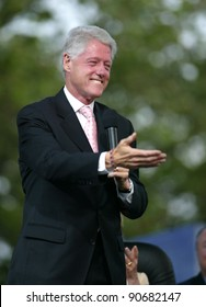 NEW YORK - JUNE 25:  Former U.S. President Bill Clinton gestures while on stage at the Greater New York Billy Graham Crusade on June 25, 2005 in Flushing, New York.