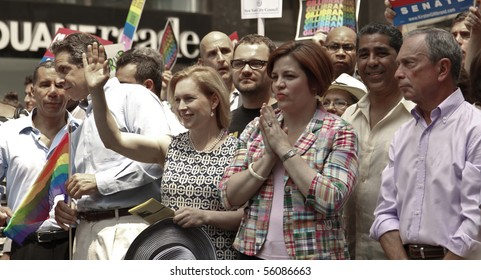 NEW YORK - JUNE 27: David Paterson, Andrew Cuomo, Kirsten Gillibrand, Cristine Quinn, Michael Bloomberg attend the 2010 New York City Gay Pride March on the streets of Manhattan on Jun 27, 2010 in NYC