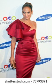 NEW YORK - JUNE 7:  Jennifer Lopez attends the Samsung Hope for Children Gala at Cipriani Wall Street on June 7, 2011 in New York City.