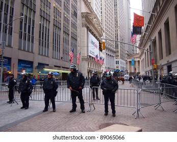 NEW YORK - NOV 17: Police guard the New York Stock Exchange, Lower Manhattan, on November 17, 2011 in New York City. Security was high as a result of Occupy Wall Street protests.