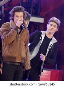 NEW YORK - NOV 26: Harry Styles and Niall Horan of One Direction perform on 'Good Morning America' in Central Park on November 26, 2013 in New York City.