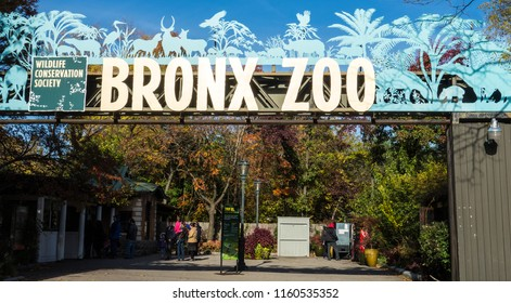 New York, New York / Nov 4, 2014: Entrance to the Bronx zoo