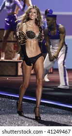 NEW YORK - NOVEMBER 19: Victoria's Secret Fashion Show model Marisa Miller on November 19, 2009 at the Lexington Armory in New York City.
