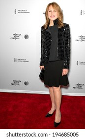NEW YORK, NY - APRIL 18: Actress Marlo Thomas attends the 'All About Ann: Governor Richards of the Lone Star State' screening during the 2014 Tribeca Film Festival at SVA Theater