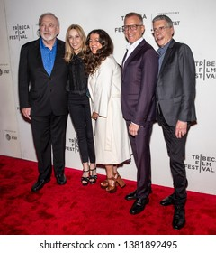 """New York, NY - April 26, 2019: (L-R) J Keach, Sheryl Crow, M Farinola, J Friedman and R Epstein attend the premiere of """"Linda Ronstadt: The Sound Of My Voice"""" during the 2019 Tribeca Film Festival"""