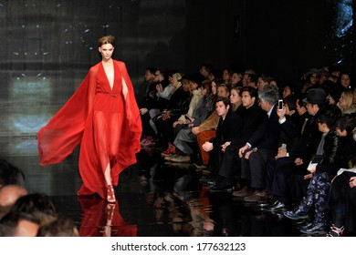 NEW YORK, NY - FEBRUARY 10: Karlie Kloss walks the runway at Donna Karan New York 30th Anniversary during Mercedes-Benz Fashion Week Fall 2014 at 23 Wall Street on February 10, 2014 in New York City.