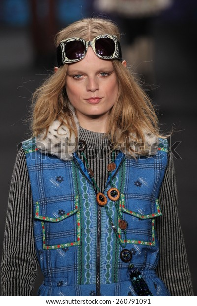 NEW YORK, NY - FEBRUARY 18: Model Hanne Gaby Odiele walks the runway at the Anna Sui fashion show during MBFW Fall 2015 at Lincoln Center on February 18, 2015 in NYC
