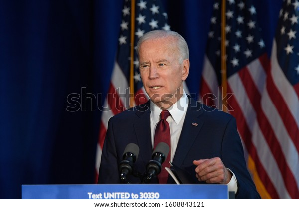 NEW YORK, NY - JANUARY 07: Democratic presidential candidate VP. Joe Biden delivers remarks on the Trump administration's recent actions in Iraq at Chelsea Piers on January 07, 2020 in New York City.
